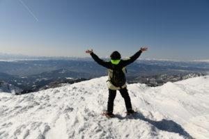 【受付終了】蔵王連峰の主峰・熊野岳 & 冬のお釜へのスノートレッキングツアー